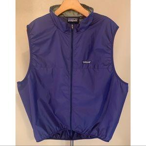 Patagonia Men's XL blue lightweight vest. NWOT